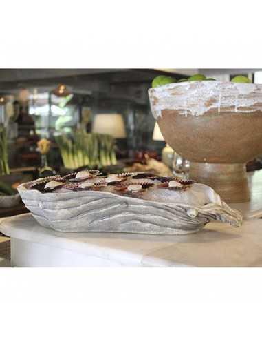 Bandeja en forma de ostra para presentar mariscos y pescados frescos