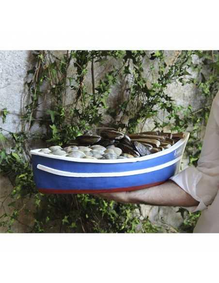 Bandeja realista en forma de barca para pescados y mariscos frescos