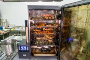 Ahumador digital para piezas de carne