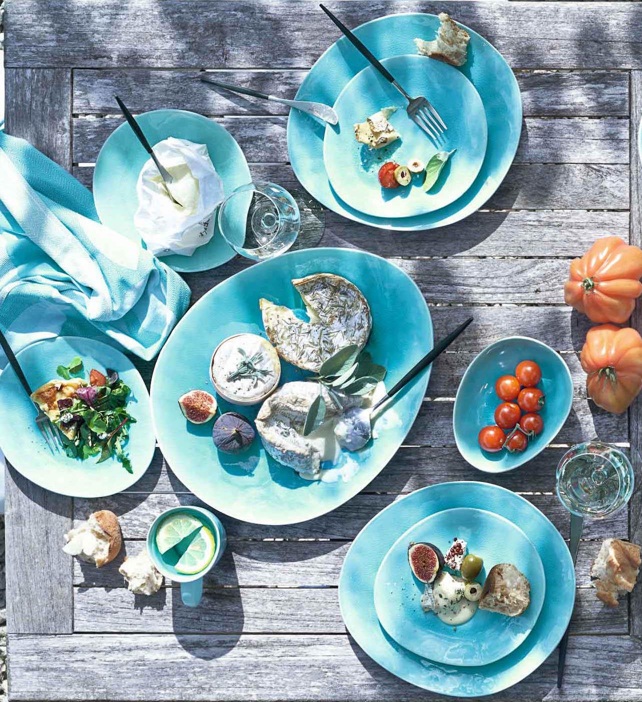 Vajilla de porcelana esmaltada azul turquesa