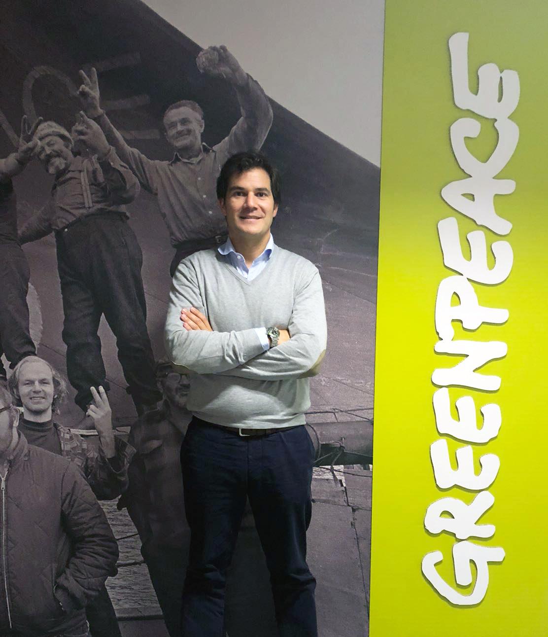 David Ramos visitando las oficinas de Greenpeace