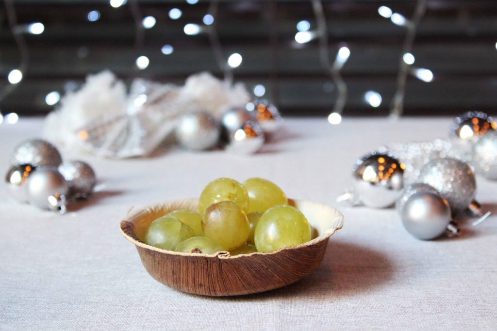 Platito redondo de bambú para presentar las 12 uvas estas fiestas