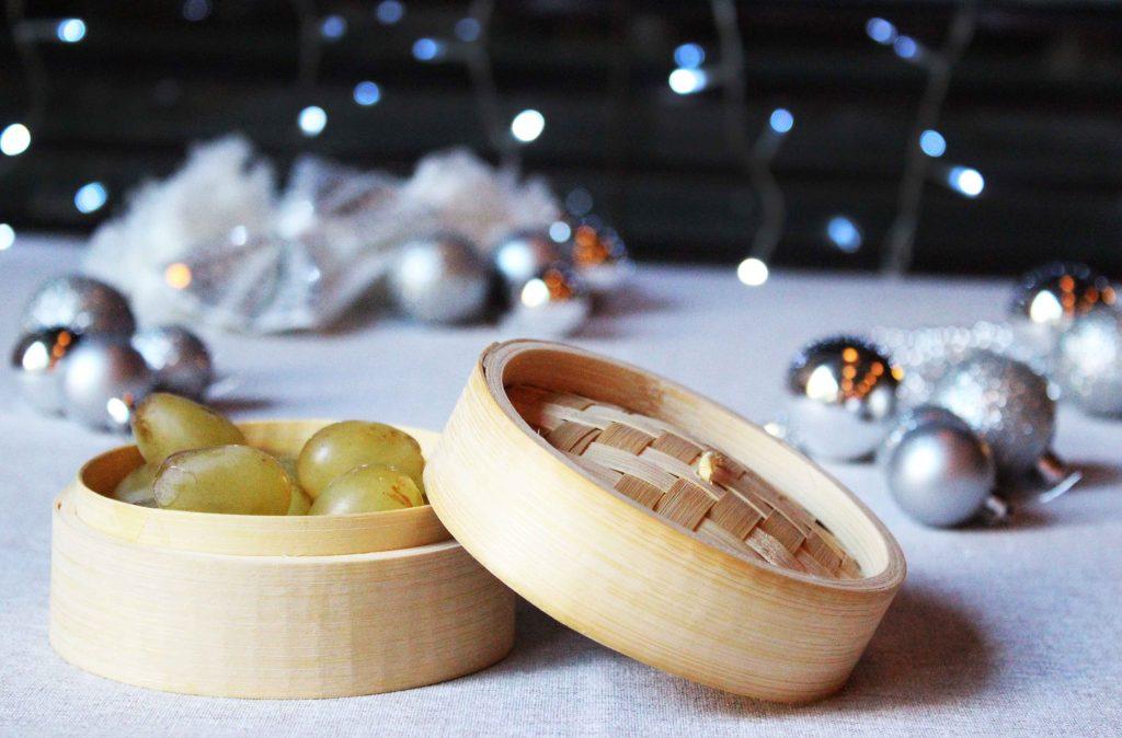 Vaporera miniatura para presentar las uvas estas fiestas