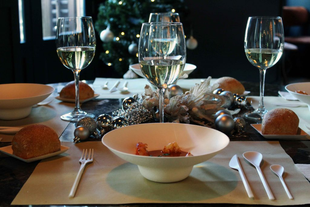 Como montar una mesa navideña 100% biodegradable