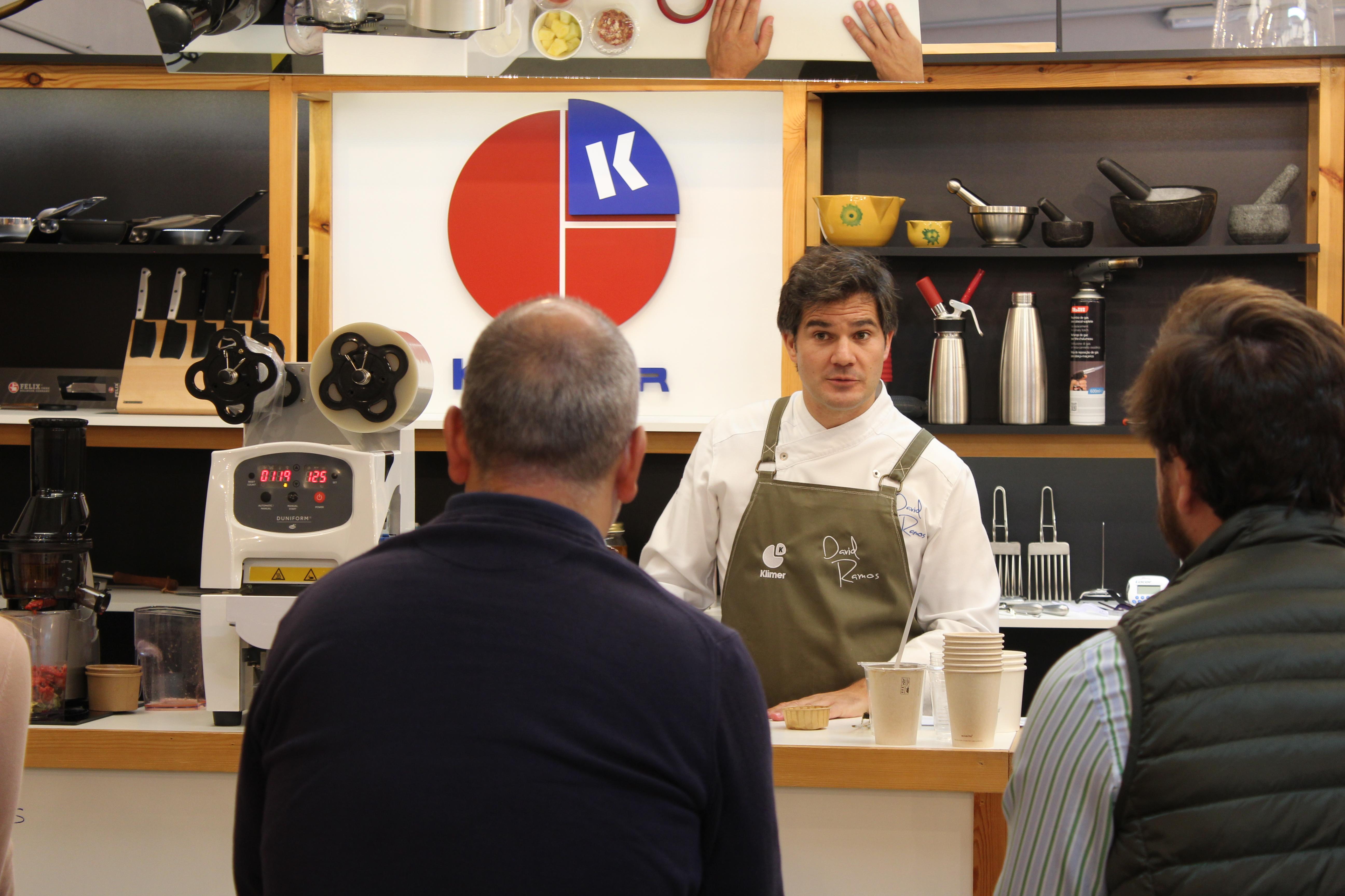David Ramos impartiendo el curso de termosellado
